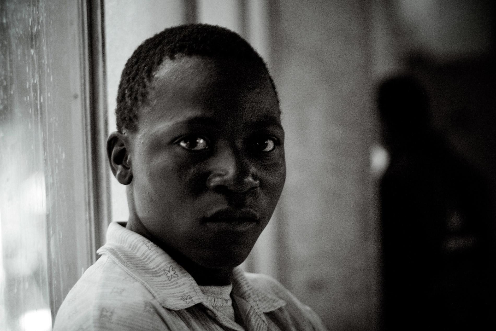 George, 17 ans, vit dans l'église depuis 3 mois.