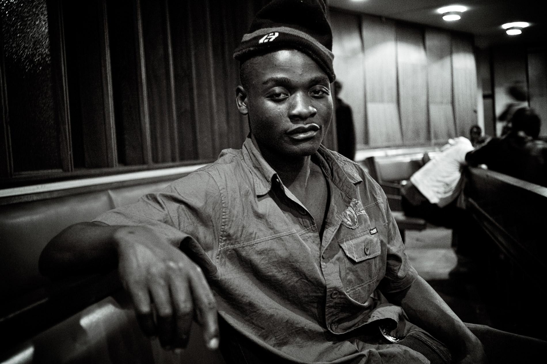 Olly, 20 ans, était dans l'opposition et a fui le Zimbabwé.