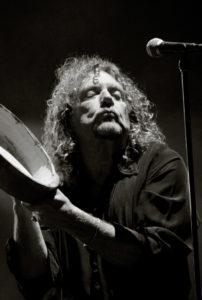 Robert Plant a Rock en Seine le 26/08/05 thumbnail
