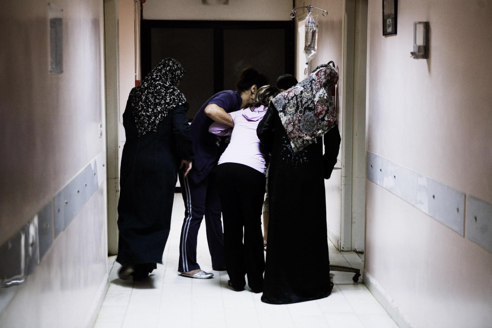 Nuit de garde à l'hôpital Haifa du camp palestinien de Burj El Barajneh, Liban. 2010