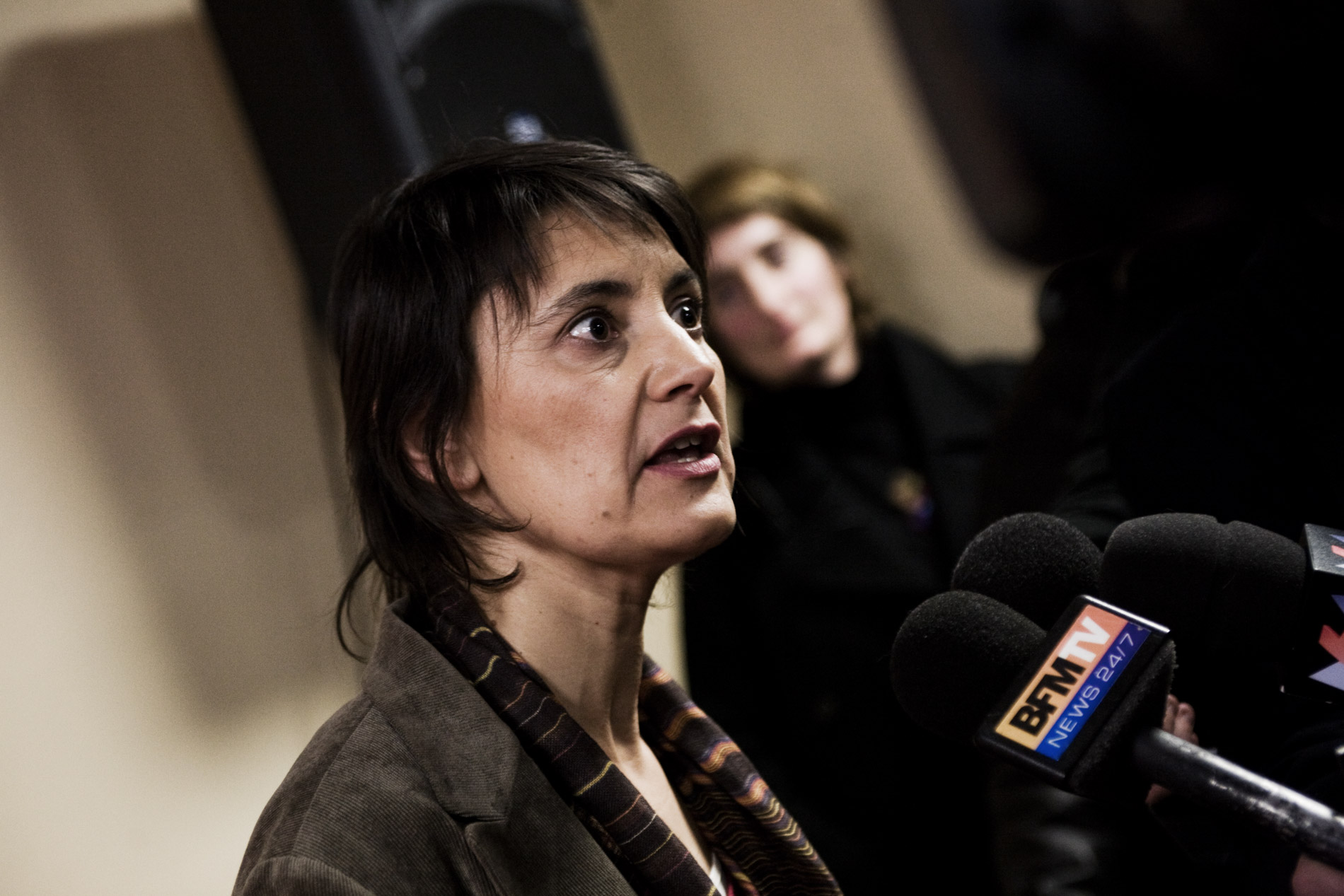 Nathalie Arthaud, porte parole de Lutte Ouvrière pendant sa conférence de presse, le 3 février 2012