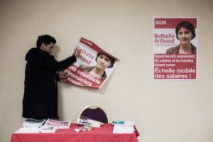 Meeting de Nathalie Arthaud, porte parole de Lutte Ouvriere et candidate a l'election presidentielle le 3 fevrier 2012 a Montreuil thumbnail