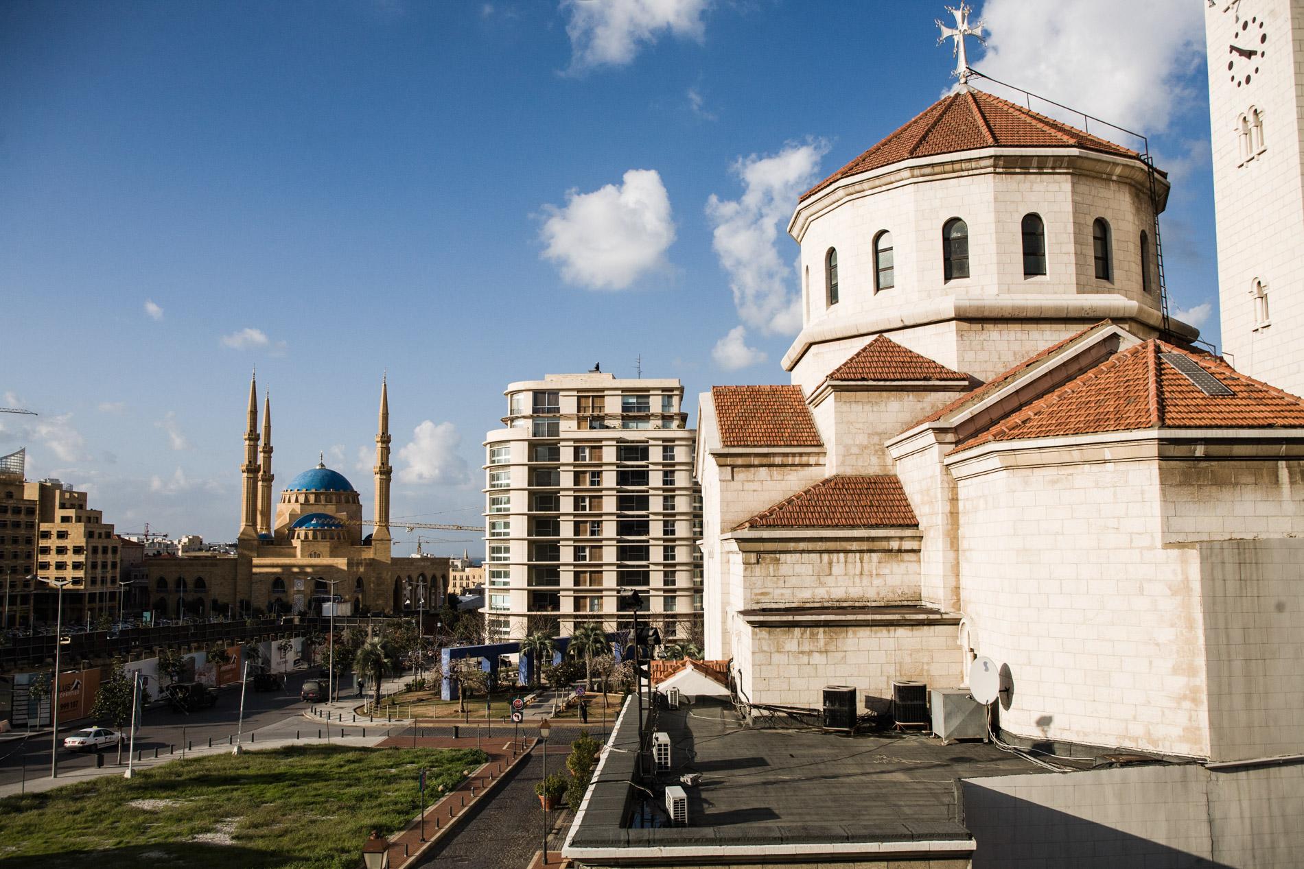 Mosquée et église dans le centre ville de Beyrouth - A mosque and a church downtown Beirut.