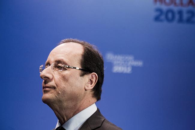 Francois Hollande, candidat sosialiste a l'election presidentielle, a son QG de campagne