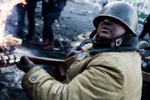 Kiev : vie sur la barricade de la rue Grushevskogo thumbnail