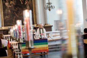 2017 - Gay Pride de Stockholm, avec l'eglise de Suede thumbnail