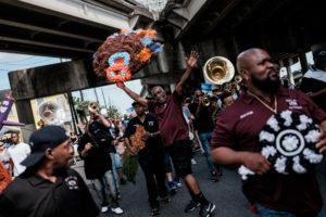 Parades Second Lines de la Nouvelle Orleans thumbnail